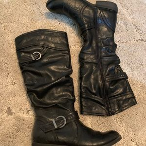 GH Bass black leather boots